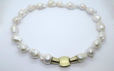 4339--Perlenkette-m-750--gg