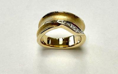 8477--Ring