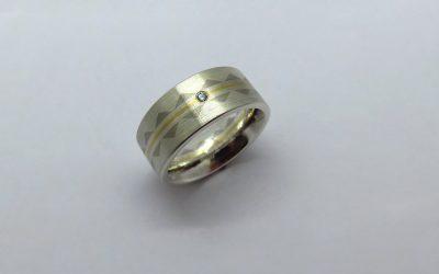 Ring-Silber_gg_Dreieck
